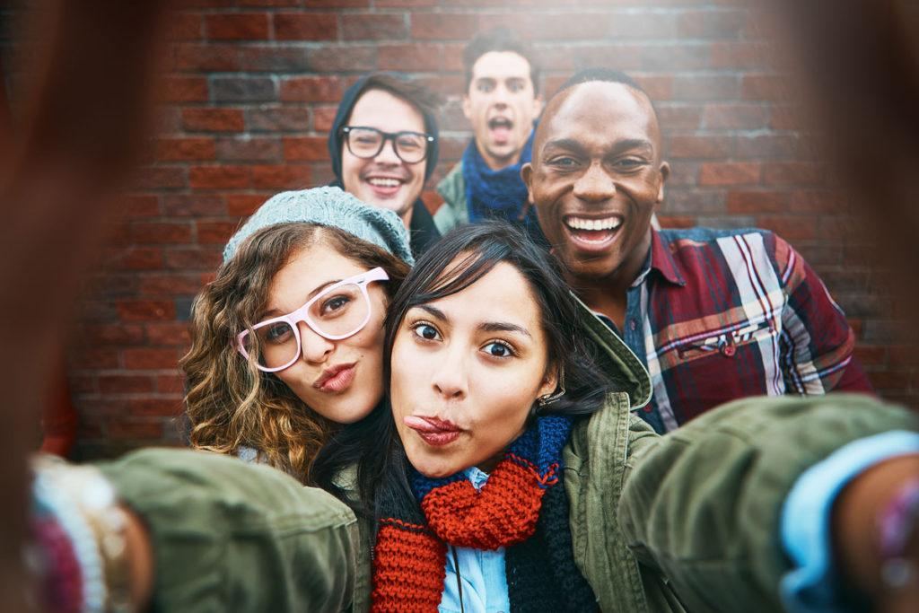 Gruppenfoto Freunde selfie
