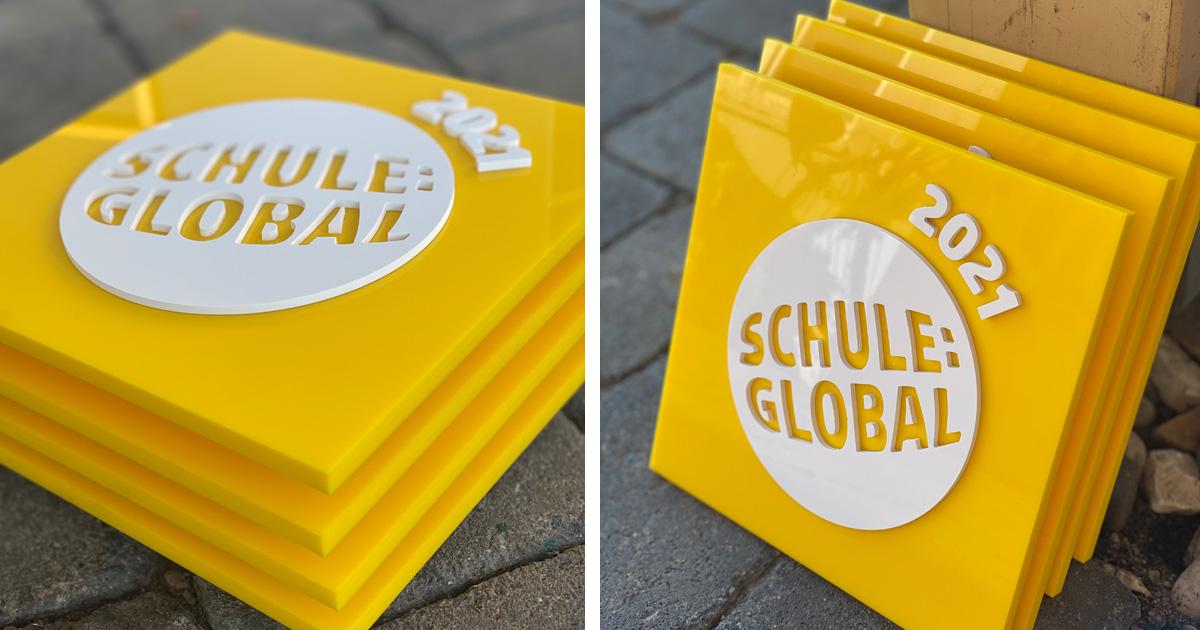 Das Schule:Global Schild
